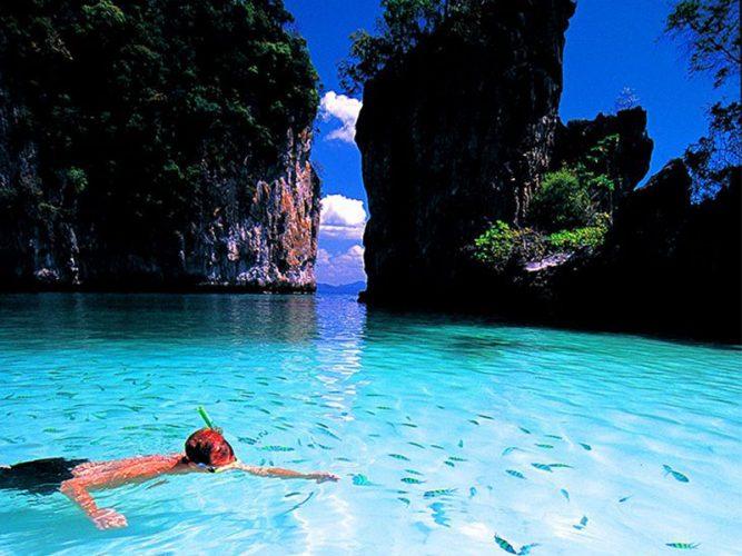 สระว่ายน้ำกลางทะเลเกาะห้อง
